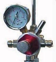Регулятор давления для воздуха / одноуровневый / мембранный / с манометром