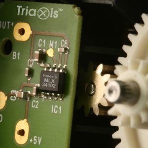 бесконтактный датчик с эффектом Холла / миниатюрный / аналоговый / для монтажа на поверхности