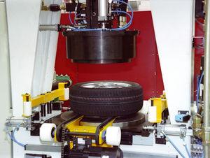 машина для накачивания шин