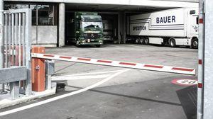 барьер доступа / поднимающийся / для транспортных средств / шарнирный