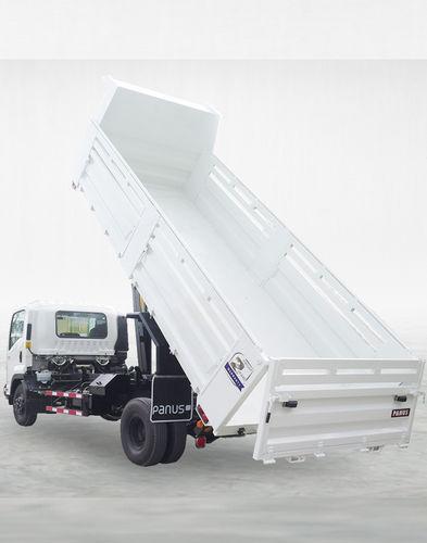 транспортный грузовой автомобиль