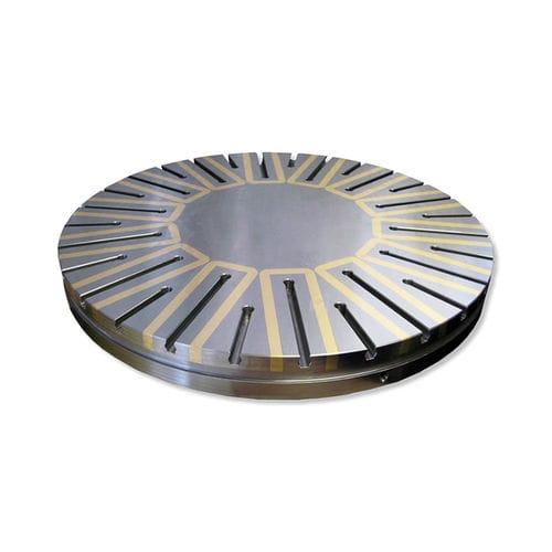магнитная пластина с постоянными магнитами и электромагнитами