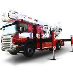 телескопический подъемник на грузовике / для внешнего использования / с манипулятором / электрический